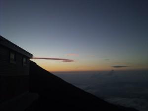 山小屋からの夕日