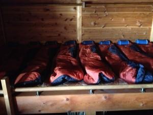 山小屋の寝袋